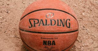 Spalding-Basketball